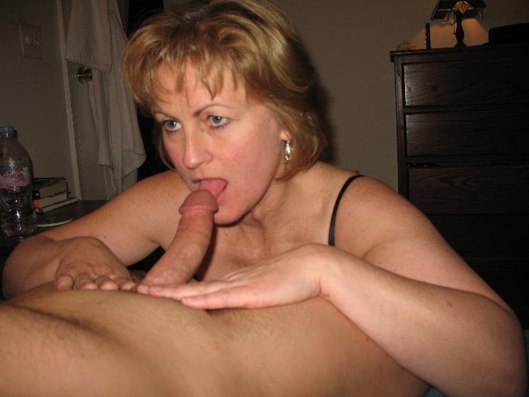 раз делала зрелая женщина ищет парня для секса челябинск фото уже ласкать